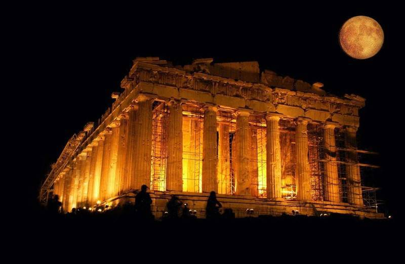 parthenon-under-full-moon-